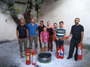 Equipe de funcionários do Sindsemb passam por treinamento de brigadistas