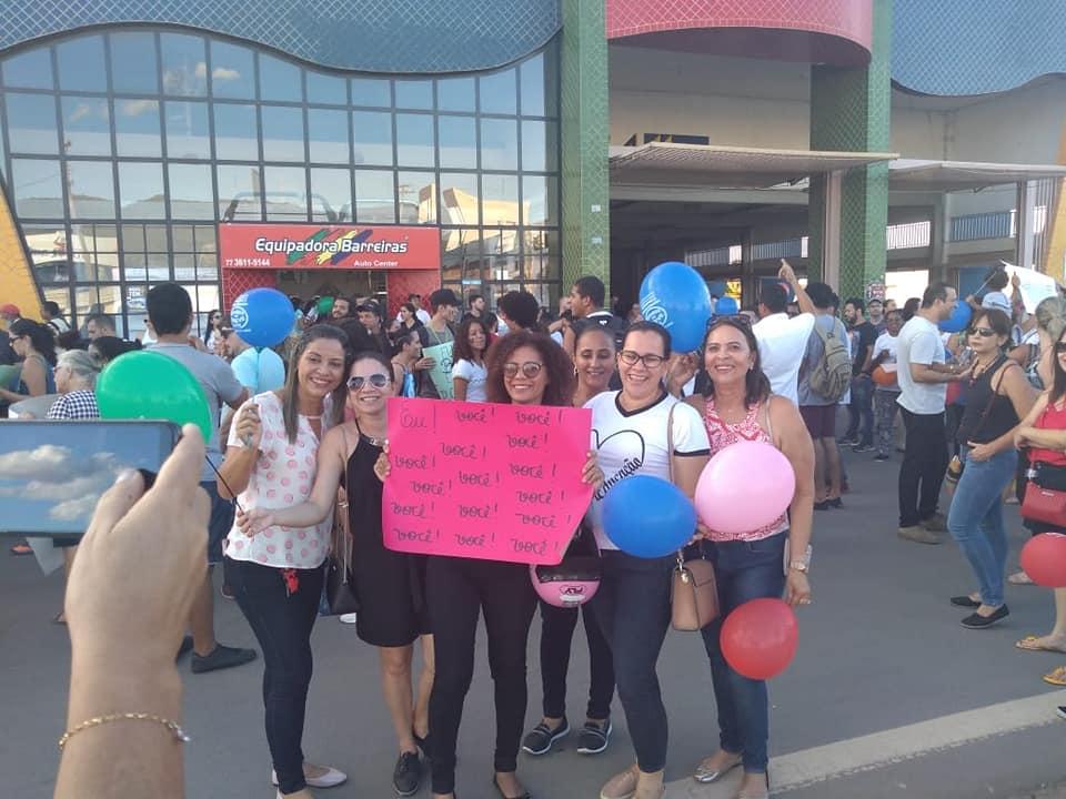 Em Barreiras, manifestação contra cortes da educação reuniu Sindicatos, Movimentos Estudantis e Professores em protesto pelas ruas